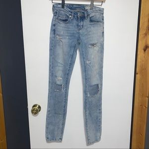 Flawed Blank NYC Skinny Classique Jeans 24